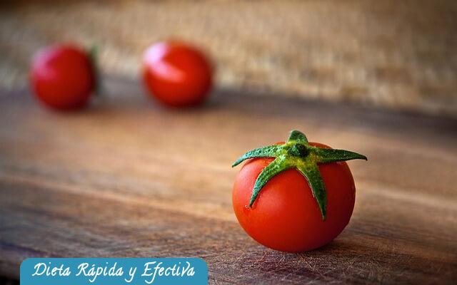 ¿Por qué sirve el tomate para bajar de peso?